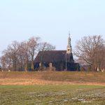 Drewniany kościół św. Michała Archanioła i Matki Boskiej Wspomożenia Wiernych w Rogalinku z przełomu XVII i XVIII w