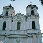 Sejny. Bazylika pod Wezwaniem Nawiedzenia Najświętszej Marii Panny jest zbudowana w stylu baroku wileńskiego.