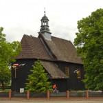 Czeszewo. Drewniany kościół św. Mikołaja z 1792 r. kryty gontami