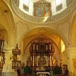 Większość wyposażenia kościoła pochodzi z czasów jego budowy