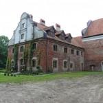 Klasztor o. Franciszkanów. Zniszczony przez prusaków – odbudowywany od 1992r.