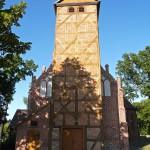 Jordanowo. Późnogotycki kościół z dostawioną wieżą – kruchtą, p.w. Św. Anny z XVI w.
