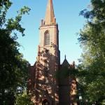 Jordanowo. Godny uwagi jest także XIX-wieczny zbór ewangelicki (obecnie nieczynny).