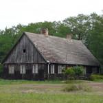 Stara chata na szlaku
