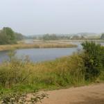 Jezioro Folusz. Za nami ładny widok na Trzemeszno