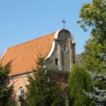 Owińska. Kościół św. Mikołaja od 1939 roku jest nieużytkowany i popada w ruinę.
