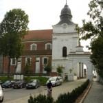 Zespół poklasztorny i kościół z XI w