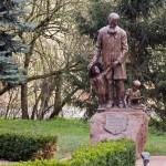 Jaszkowo – pomnik Edmunda Bojanowskiego