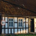 Czarne Małe – dom o charakterystycznej szachulcowej konstrukcji (tzw. pruski mur)