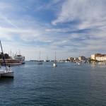 Port jachtowy. Jest tu przeogromna ilość jachtów, łódek i żaglówek nie tylko tubylców ale i z całego świata.