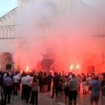 Powitanie Młodej Pary przed katedrą