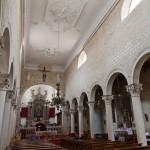 Pag. Wnętrze kościoła parafialnego Wniebowzięcia Marii