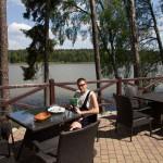 Przerwa obiadowa na terenie ośrodka Leśna Chata