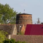 Święta. Murowany korpus wiatraka, tzw. holendra, zbudowanego w 1902 r