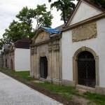 Jelenia Góra. Rewitalizacja zniszczonych barokowych grobowców