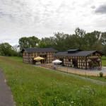Restauracja Dammmeisterei w Zollbrücke, w miejscowości działa również teatr 'Das Theater am Rand'.