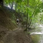 Śliska ścieżka nad Tanwią