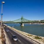 Na drogach nad Dunajem bardzo duży ruch, również na ciągu pieszo-rowerowym. Wszyscy bardzo się śpieszą