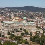 Wzgórze Zamkowe w dali kościół św. Macieja