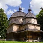 Hrebenne. Cerkiew grekokatolicka jest jedną z najstarszych na Roztoczu. Obok dzwonnica z XVIIIw i krzyż upamiętniający tysiąclecie chrztu Rusi
