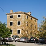 Dojechaliśmy do Grożnjan. Miejscowość jest mniejsza niż Motovun a większość mieszkańców to Włosi. Na zdjęciu dom przed wjazdem do 'centrum'