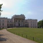 Miłosław. Okazały neorenesansowy pałac z kolumnowym portykiem z pocz. XIXw.