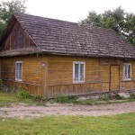 Okolice Nowej Wsi. Drewniany dom