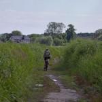 Powrót z Karsiborskiej Kępy, szeroka opona to zaleta w takim terenie