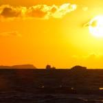 Zachód słońca, widok na klify Langer Berg