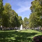 Zrinjevac jeden z reprezentacyjnych placów-parków, tworzących tzw. zieloną podkowę wokół centrum