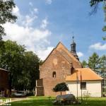 Kościół w Tulcach jedna z najstarszych ceglanych budowli Wielkopolski, będąca sanktuarium Matki Bożej Tuleckiej.