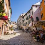 Liczba mieszkańców Rovinj wynosi ok. 13,5 tys. Z czego jedna trzecia to mniejszość włoska