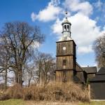 Żabno – drewniany kościół z 1789, gruntownie odnowiony w latach 1955-56