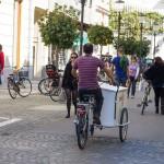 Przesyłkę też doręczy kurier na rowerze