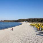 Słoneczna i piaszczysta plaża w Binz
