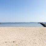 Molo i plaża w Dranske