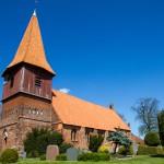 Altefähr – kościół pw. Sw. Mikołaja, patrona m.in. marynarzy, żeglarzy i rybaków.