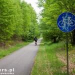Początek drogi rowerowej biegnącej śladem kolei