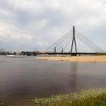 Most wantowy (Vanšu tilts) przez Dźwinę to jeden z 4 mostów w Rydze