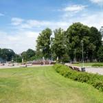 Park Kronwalda  z piramidą i fontanną.  Park został utworzony w 1859 r