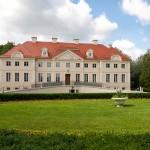Gułtowy. W okresie 2008‒2011 staraniem poznańskiego UAM przeprowadzono na szeroką skalę prace remontowo-konserwatorskie w celu przekształcenia pałacu w Dom Pracy Twórczej