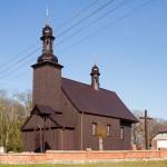 Potulice. Drewniany kościół św. Katarzyny, kryty gontami z 1728r