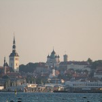 Widok na starówkę Tallina od strony portu Pirata. Do momentu uzyskania niepodległości używano w stosunku do Tallina nazwy niemieckiej REVAL (polski REWEL)