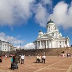 Luterańska katedra Tuomiokirkko. Była budowana w latach 1820-1850. Jednak oficjalna budowę zakończono dopiero 1952 roku