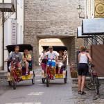 Przejażdżka rikszą to dobry pomysł na zwiedzanie miasta