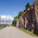 Szybka i bezkolizyjna droga rowerowa wzdłuż linii kolejowej