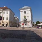 Krzywy dom w Tartu – zwany także kartuska wieża z Pizzy