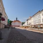 Centralny plac z barokowym ratuszem