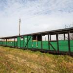 Niechanowo – niszczejący tabor na dawnej stacji kolejki wąskotorowej