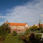 Gniezno – gimnazjum, obok kościół p.w. św. Jana